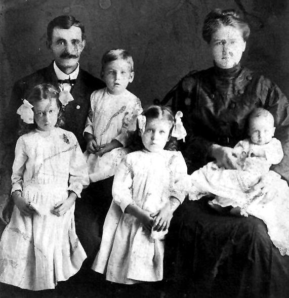 Ed Mansker, Hattie Pearson and Children
